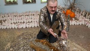 Пенсионер Юрий Бабин надеется завоевать сердце Людмилы Путиной